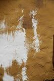 艺术背景的墙壁纹理在与白色颜色的褐色 图库摄影