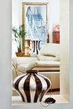 艺术装饰图画零件空间样式花瓶 免版税库存照片
