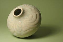 艺术陶瓷花瓶 免版税库存照片