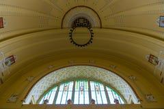 艺术Nouveau样式的圆顶在主要火车站的 免版税库存图片
