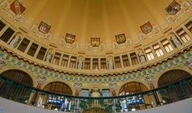 艺术Nouveau样式的圆顶在主要火车站的 库存照片