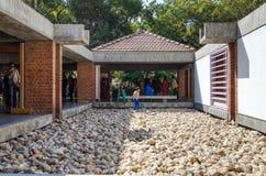 艾哈迈达巴德,印度- 2014年12月28日:人参观圣雄甘地博物馆 免版税图库摄影