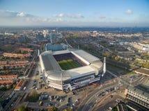 艾恩德霍芬,荷兰- 2017年10月11日:与艾恩德霍芬PSV飞利浦体育场的艾恩德霍芬都市风景 荷兰 免版税库存图片