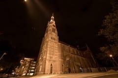 艾恩德霍芬, NETHERLAND - 2017年10月17日:艾恩德霍芬教会在晚上 库存照片