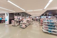 艾恩德霍芬, NETHERLAND - 2017年10月17日:艾恩德霍芬Primark商店内部 Netherland 库存照片