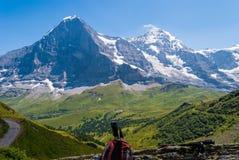 艾格峰峰顶北部墙壁和Monch,格林德瓦的惊人的高山全景,在Bernese阿尔卑斯,瑞士,欧洲 免版税图库摄影