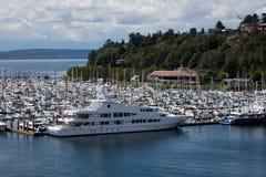 艾略特海湾小游艇船坞 免版税库存照片