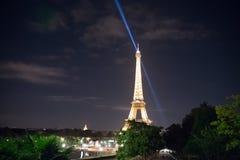 艾菲尔铁塔光展示 免版税库存照片