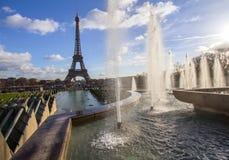 艾菲尔铁塔和喷泉在Jardins du Trocadero,巴黎 库存图片