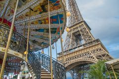 艾菲尔铁塔和转盘,巴黎 库存图片