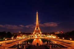 艾菲尔铁塔在晚上,巴黎,法国 免版税图库摄影