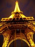 艾菲尔铁塔在晚上 库存图片