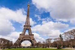 艾菲尔铁塔在巴黎法国,著名旅游业地标 免版税库存照片