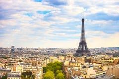 艾菲尔铁塔地标,从凯旋门的看法 法国巴黎 免版税库存图片