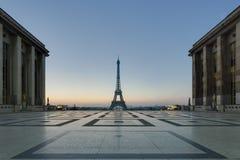 艾菲尔铁塔早晨 免版税图库摄影