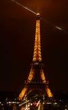 艾菲尔铁塔法国巴黎的夜图象 免版税库存图片