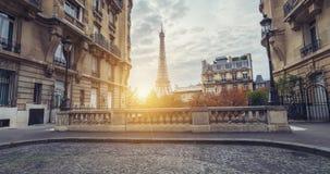 艾菲尔铁塔的日落视图从大道de Camoens的  免版税库存照片
