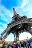 艾菲尔铁塔的照片有蓝天的 库存图片