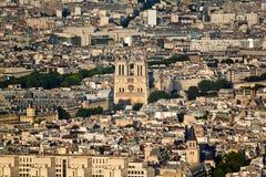 从艾菲尔铁塔的顶端风景看法 法国巴黎 图库摄影