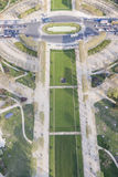 从艾菲尔铁塔的鸟瞰图战神广场-巴黎的。 免版税图库摄影