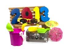 节假日的玩具在一个木沙发 库存照片