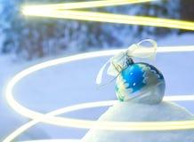 节假日的精神与圣诞节玩具的 免版税库存图片