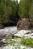 节制河的暗藏的秋天 免版税库存图片