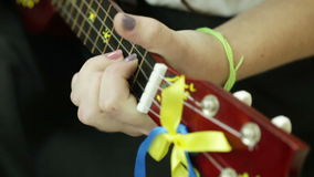 细节吉他使用 股票录像