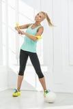 节奏性体操运动员在演播室 免版税库存图片