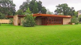 细节弗兰克・劳埃德・赖特湖水地区学院南部的佛罗里达 库存照片