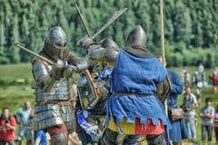 节日的参加者在历史的中世纪衣裳的 库存照片