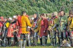 节日的参加者在历史的中世纪衣裳的 免版税图库摄影