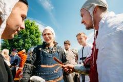 节日的战士参加者中世纪 免版税库存图片