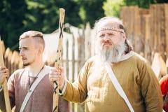节日的战士参加者中世纪 免版税库存照片