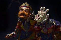 节日,一个佛教节日,与表现的神圣的奥秘由西藏喇嘛舞蹈,西藏的修士在面具的 库存照片
