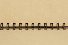 细节螺旋棕色笔记本关闭 免版税库存照片