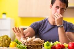 节食和健康吃概念的年轻人 库存图片