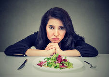 节食的习性变动 妇女怨恨素食饮食 免版税库存照片