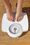 节食的妇女 免版税库存图片