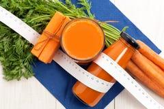 节食的红萝卜汁 免版税库存照片