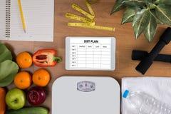 节食计划健康吃,节食,减肥并且称损失conce 库存图片