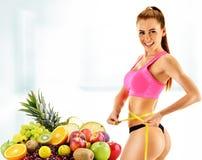 节食 根据有机食品的平衡饮食 库存照片