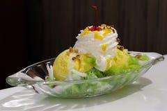 芒果冰淇凌 免版税库存图片
