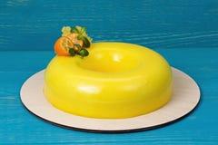 芒果奶油甜点蛋糕 免版税库存图片