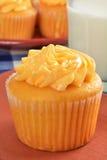 芒果杯形蛋糕 库存照片