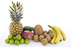 芒果菠萝鲕梨椰子猕猴桃石灰和香蕉 免版税图库摄影