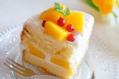 芒果蛋糕 免版税库存照片