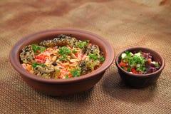 芒迪 传统中东盘烹调用香料 免版税图库摄影