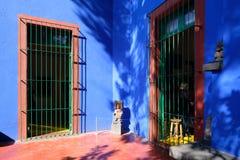 芙烈达・卡萝博物馆的五颜六色的庭院在墨西哥城 免版税库存图片