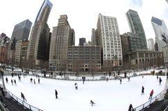 芝加哥冰室外溜冰场滑冰 图库摄影